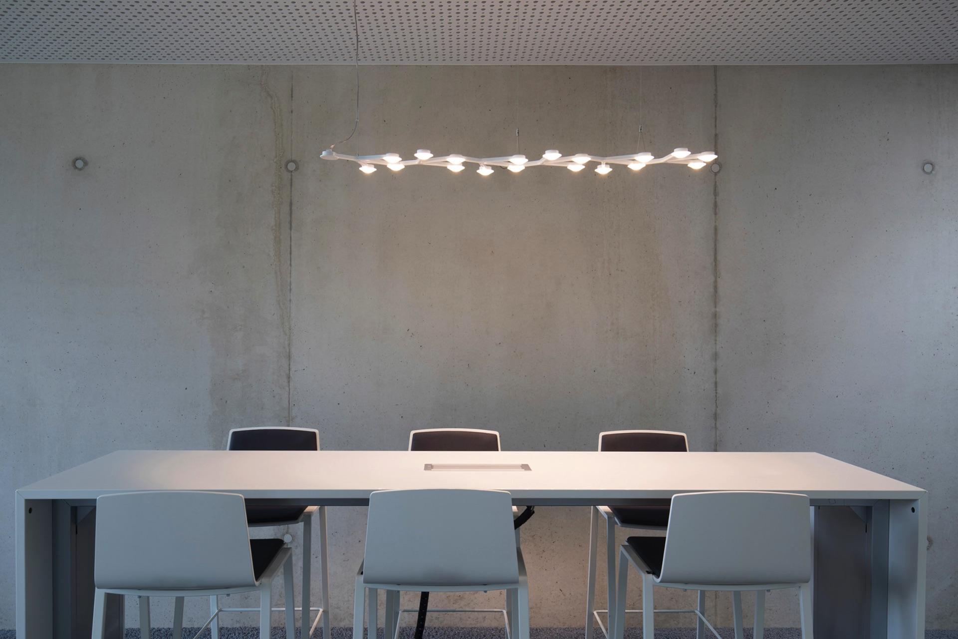 Interieur_Modern_Tisch_Fotograf_Köln